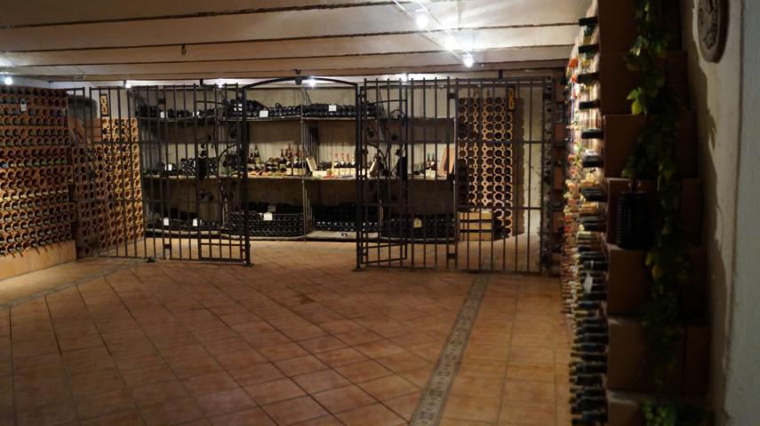 ...hier lagern Weine aus den letzten Jahrzehnten...